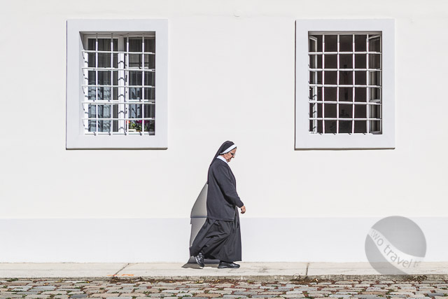 Nun walks to lunch at Zagreb Cathedral