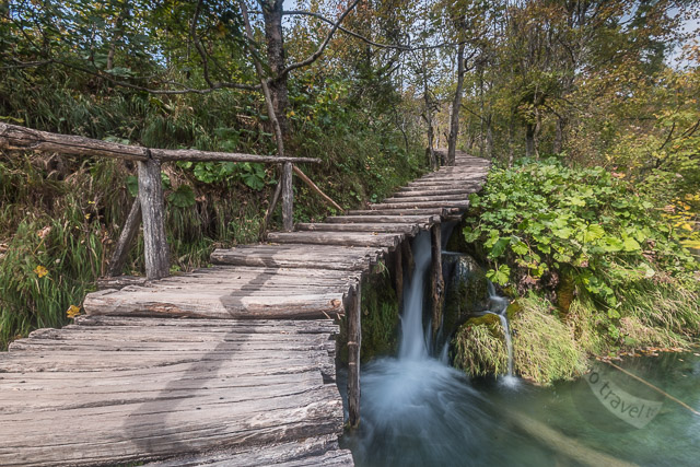 Plitvice Lakes walkways