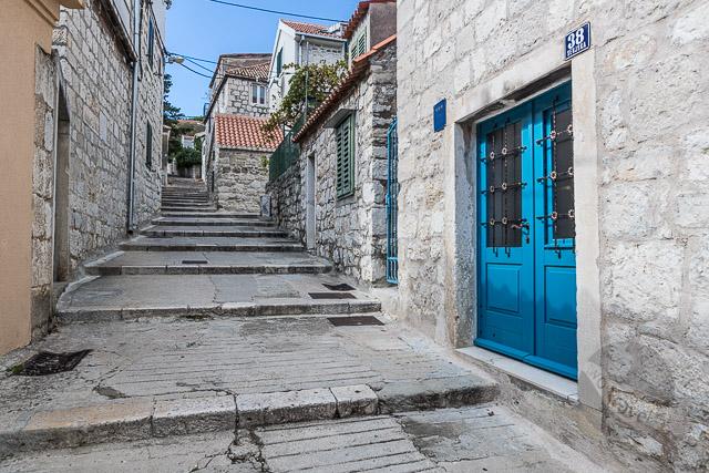 Senjska, Split