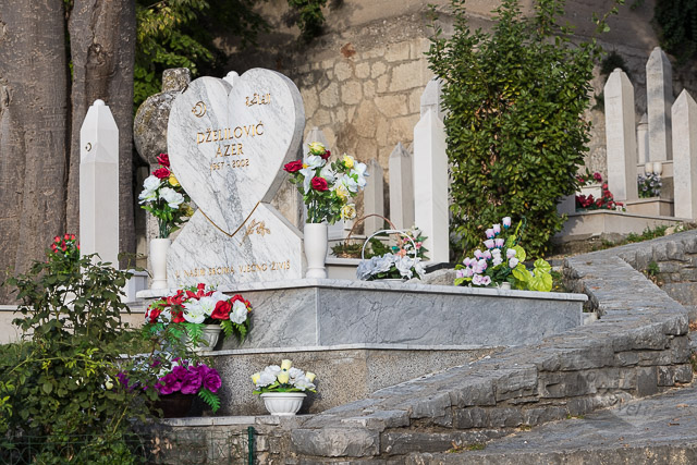 Diver's grave, Mostar